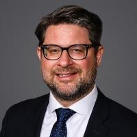 Tobias E. Schlueter