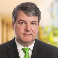 Dr. Lutz Angerer, LL.M.