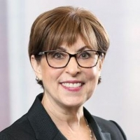 Ellen Janos
